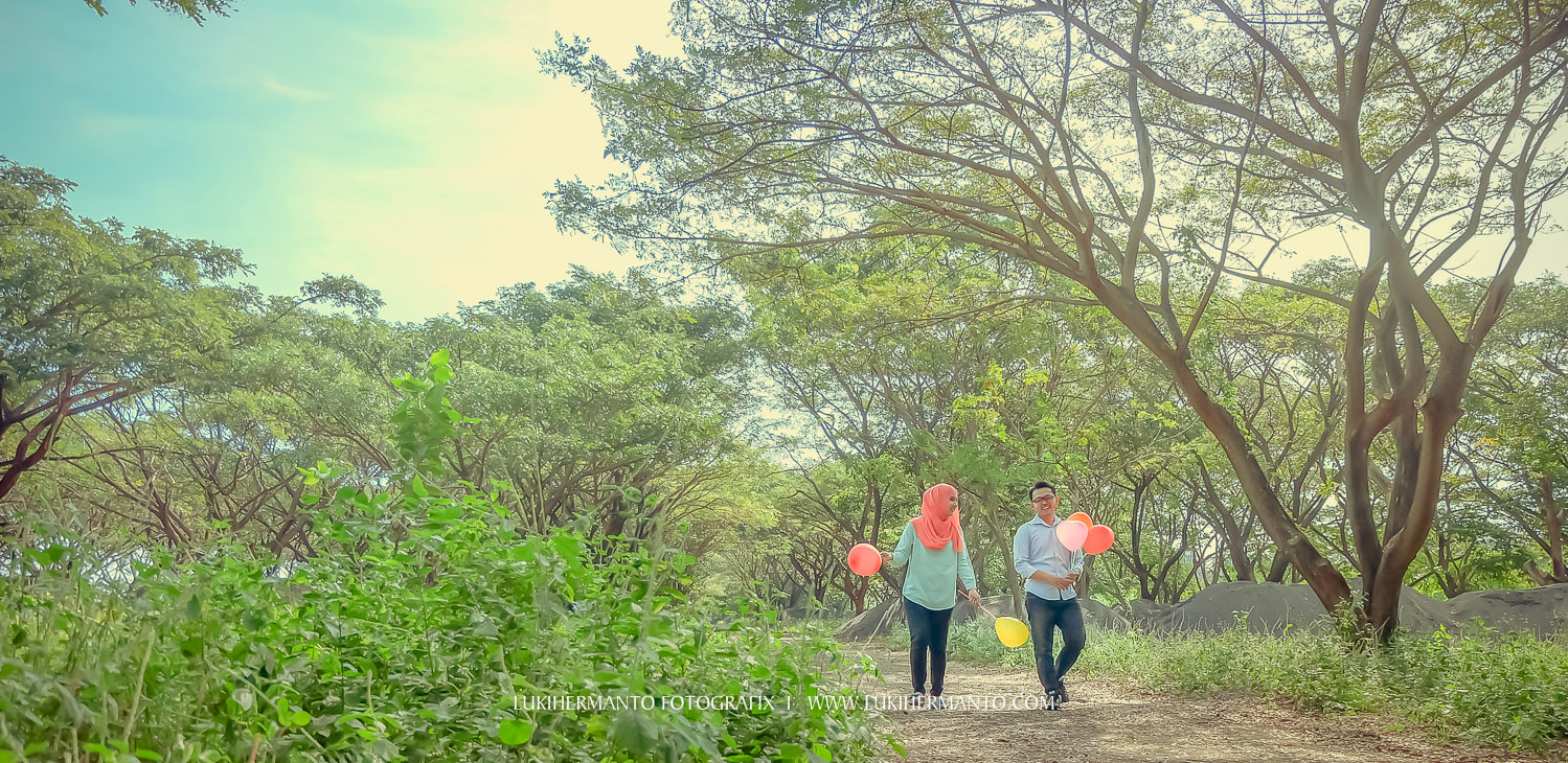 foto prewedding hijab balon