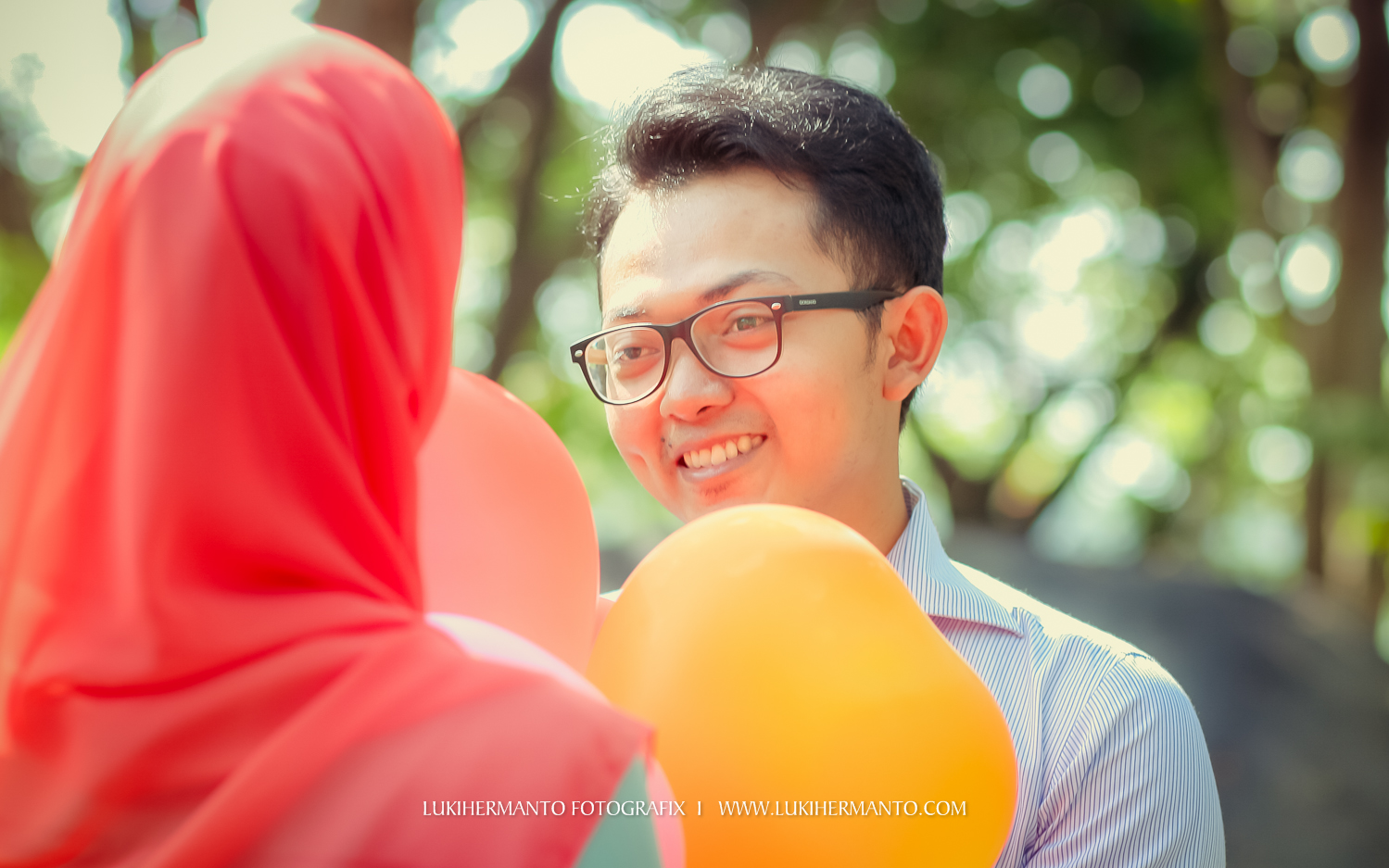 Prewedding hijab romantis balon